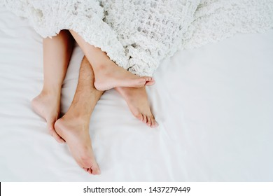 Sexual problems of couples Is the problem of divorce Which has many reasons such as Sexual tastes with incompatible opinions Snoring loudly And not talking in family Should consult specialist doctor