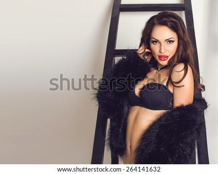 Women in fur nude sounds