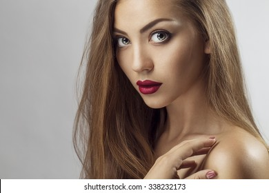girls green hair eyes brown Sexy