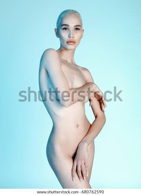 meztelen forró hölgy képek