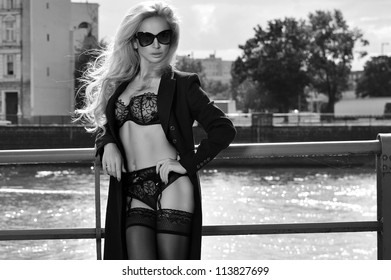 Sexy blonde woman with sunglasses
