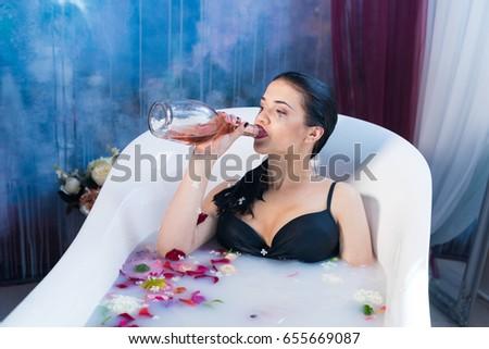 Chinese women nude masterbateing