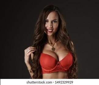 Jiné než nahé sexy modely