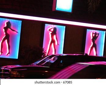 Sexy dancing on Sun Set Boulevard