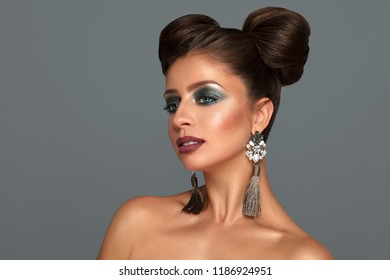 ece3889799a35 Woman And Jewelry Stock Photos, Images & Photography | Shutterstock