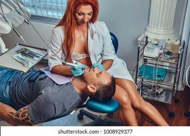 Women using toys to cum