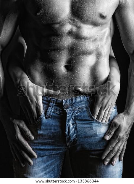 Sexe Homme Muscle Nu Et Mains Photo De Stock Modifier Maintenant 133866344