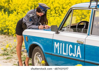 The sexy policewoman prints a mandate - Milicja old polish police - May 2017