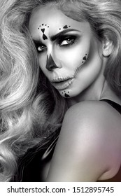 Sexy witch with Halloween skeleton make up - Image