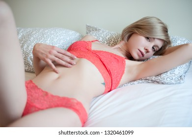 Nude Blonde Girl Pics