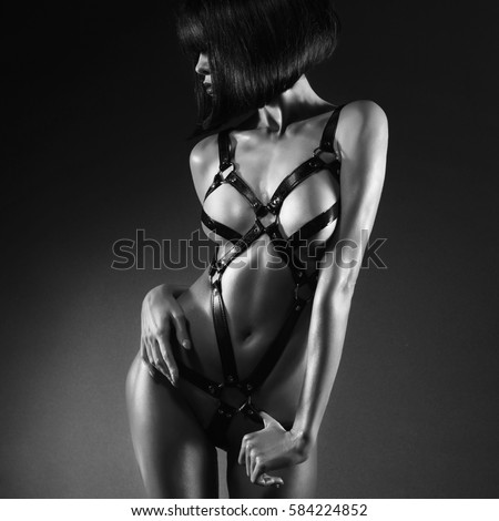 Black women dance naked in clubs