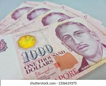 SGD : 1000 Singapore Dollars
