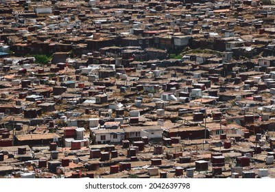 Shack houses of Tibetan monks at Yarchen Gar Monastery in Garze Tibetan, China. Yarchen Gar is the largest concentration of nuns and monks in the world.