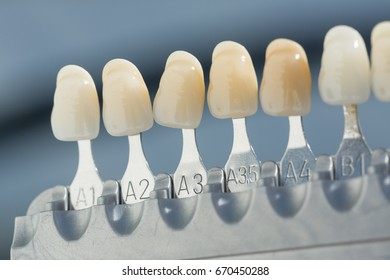 shade guide for checking veneer of tooth crown in a dental laboratory