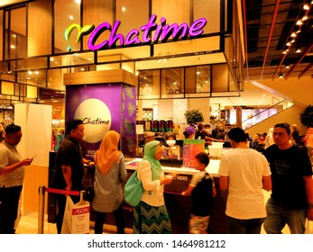 """""""Shah Alam, Malaysia- Circa July, 2019: A picture of people queuing at Chatime and waiting for their favourite drink been serve."""""""