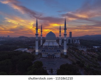 Shah Alam,Malaysia - 3 August 2018 - A sunrise at Blue Mosque, Shah Alam, Malaysia. Blue Mosque or Sultan Salahudin Abdul Aziz Shah Mosque is the state of mosque of Selangor,Malaysia
