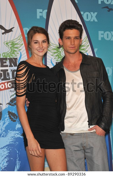 Shailene Woodley Daren Kagasoff 2010 Teen Stock Photo Edit Now 89290336 Shailene woodley and her character amy juergens, participated in a recent conference call in daren kagasoff: https www shutterstock com image photo shailene woodley daren kagasoff 2010 teen 89290336