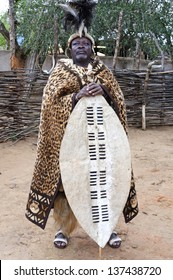 SHAKALAND, REPUBLIC OF SOUTH AFRICA - AUGUST 27: Zulu man in traditional clothes on August 27, 2009 in Shakaland, South Africa. The Zulu are the largest South African ethnic group