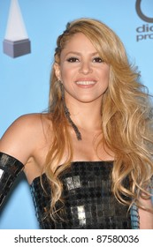 Shakira in the press room for the 2009 American Music Awards at the Nokia Theatre L.A. Live. November 22, 2009  Los Angeles, CA Picture: Paul Smith / Featureflash