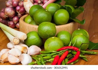 Shallots, garlic, onion, lemon, paprika.