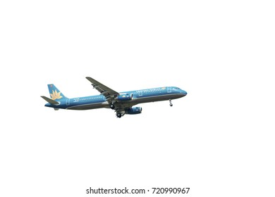 SHANGHAI, CHINA, April 2? 2015?Vietnam Airlines  A321(VN-A399) flying in the sky.