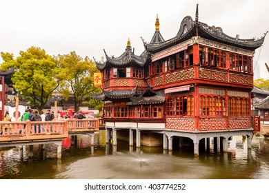 SHANGHAI, CHINA - MAR 31, 2016:Old Chinese architecture at the  City God Temple complex (Chenghuang Miao) in Shanghai. It's located at the Old Town of Shanghai