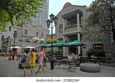SHANGHAI, CHINA-AUGUST 24, 2013: atmosphere and life in Xintiandi, the more famous spot in town.