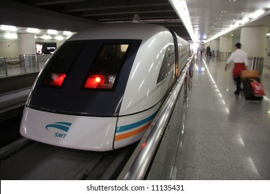 Shanghai Maglev Train - 'bullet train' - 430 km/h - or 280 mph