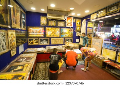 Sharm El-Shaikh, Egypt - November 2, 2018:- photo for Pharaonic paintings shop In the Egyptian city of Sharm el-Sheikh, its shows Some Egyptian painting Which embodies the Pharaonic civilization.