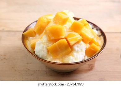 Shaved Ice with Fresh Mango