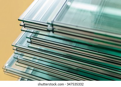 Sheets of Factory manufacturing tempered float glass panels cut to size