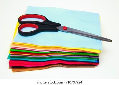 Sheets of felt, scissors, parts toy - sewing set for felt bird. How to make a handmade toy
