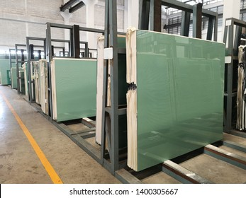 Sheets tempered clear float glass panels in glass factory