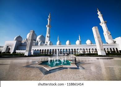 Sheikh Zayed Grand Mosque, Abu-Dhabi, United Arab Emirates
