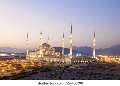 Sheikh Zayed Grand Mosque in Fujairah illuminated at night. United Arab Emirates, Middle East