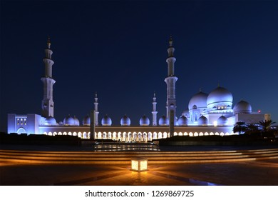Sheikh Zayed Grand Mosque is located in Abu Dhabi, UAE. It is the largest mosque in the UAE, and is a key place of worship for daily prayers, Friday gathering & Eid prayers.