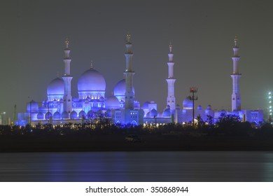 Sheikh Zayed Grand Mosque and mausoleum, Abu dhabi, UAE,