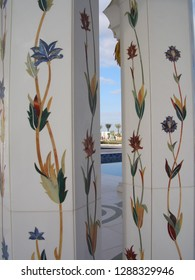sheikh zayed mosque pillar design detail
