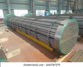 Shell and tube heat exchanger bundle