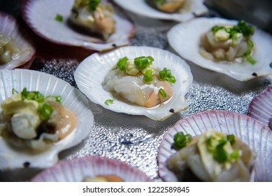 shells scallops with asparagus