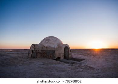 shelter in the desert