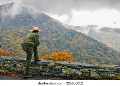 Shenandoah National Park in Autumn foliage, Virginia USA