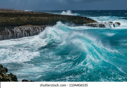 Shete Boka national Park with crashing waves 