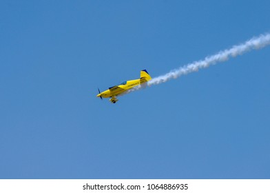 Shiloh, IL—June 10, 2017 acrobatic demonstration pilot flies propeller plane out of loop toward ground