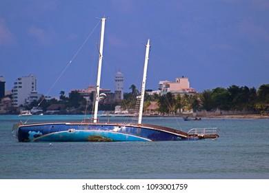 ship in Cancun