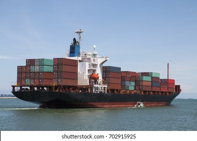 ship container going to destination country