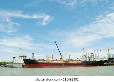 ship with crane