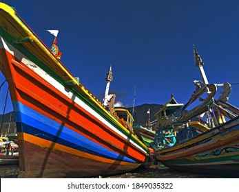 ship photos are very suitable for use as material for web images or articles that discuss ships