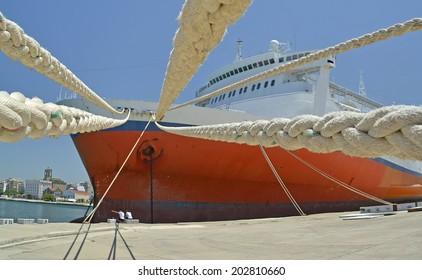 ship ropes - patras port
