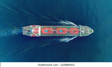 Ship tanker gas LPG top speed on the sea for transportation.